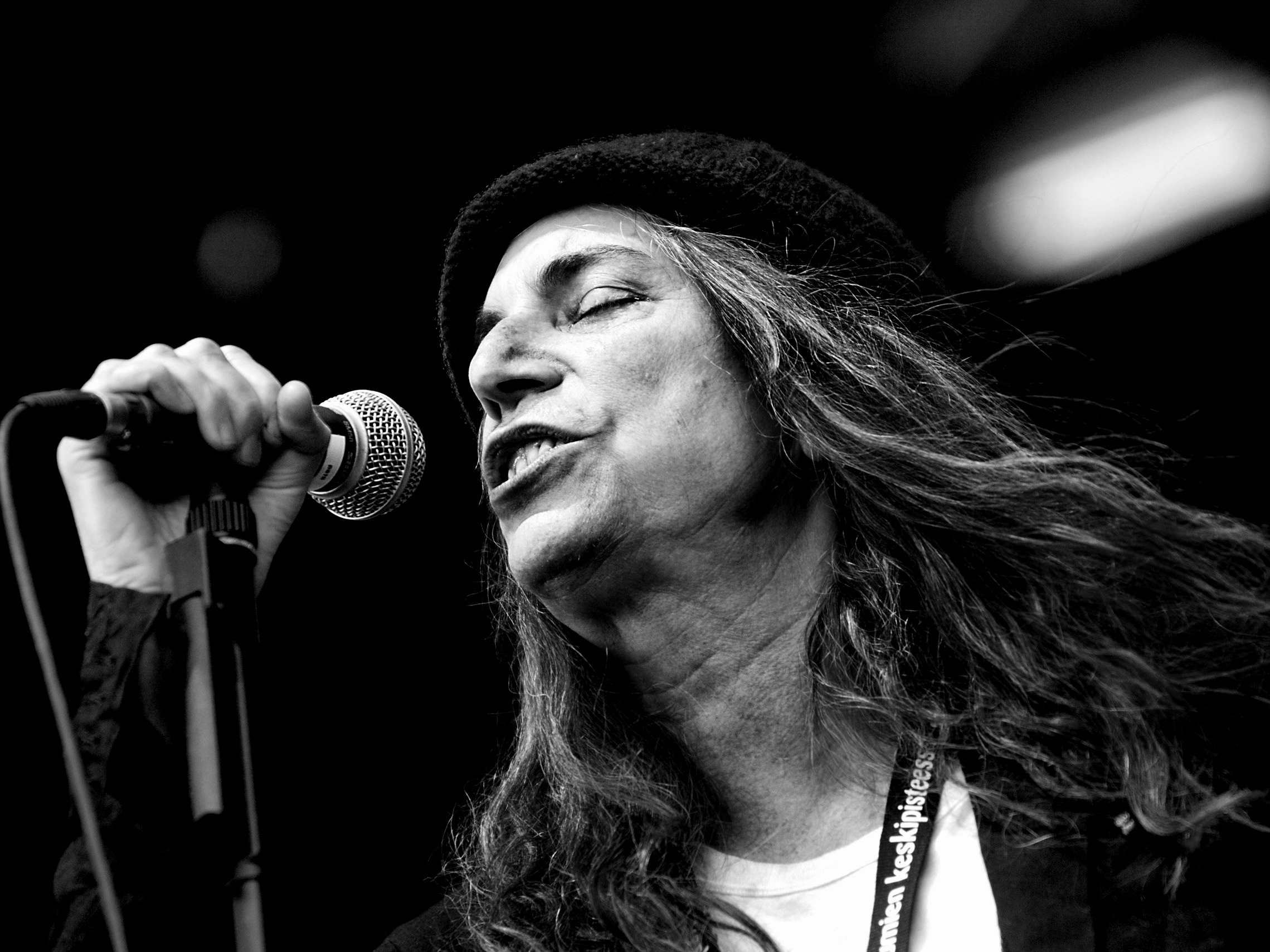 Watch Patti smith puts cbgb to bed video