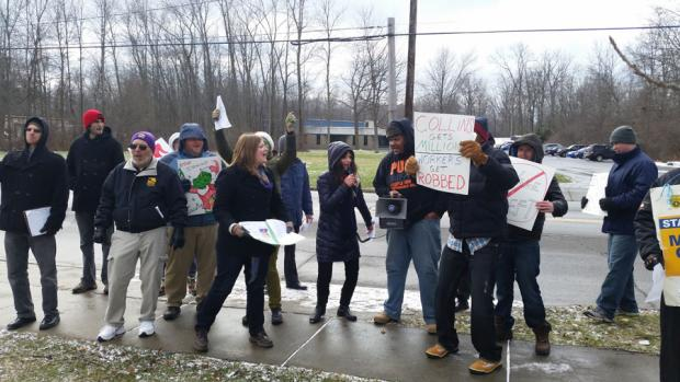 Protesters outside of Audobon Machinery, December 2014.Photo by Peter DeJesus.