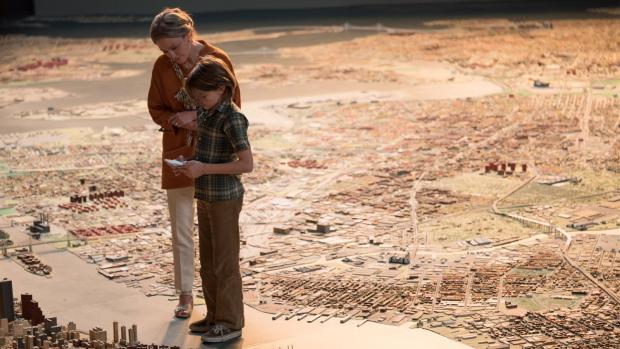 Oakes Fegley and Julianne Moore in Todd Haynes's Wonderstruck.