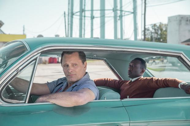 Viggo Mortensen and Mahershala Ali in Green Book.