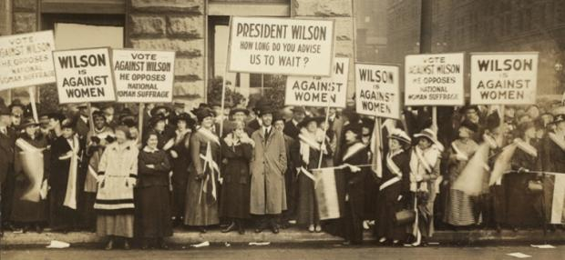 Crowd of women's suffrage supporters demonstrating in Chicago on October 20, 1916. Woodrow Wilson withheld his support for Votes of Women until 1918. (Everett Historical/Shutterstock)